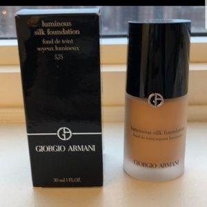 Gorgio Armani luminous silk foundation 5.75